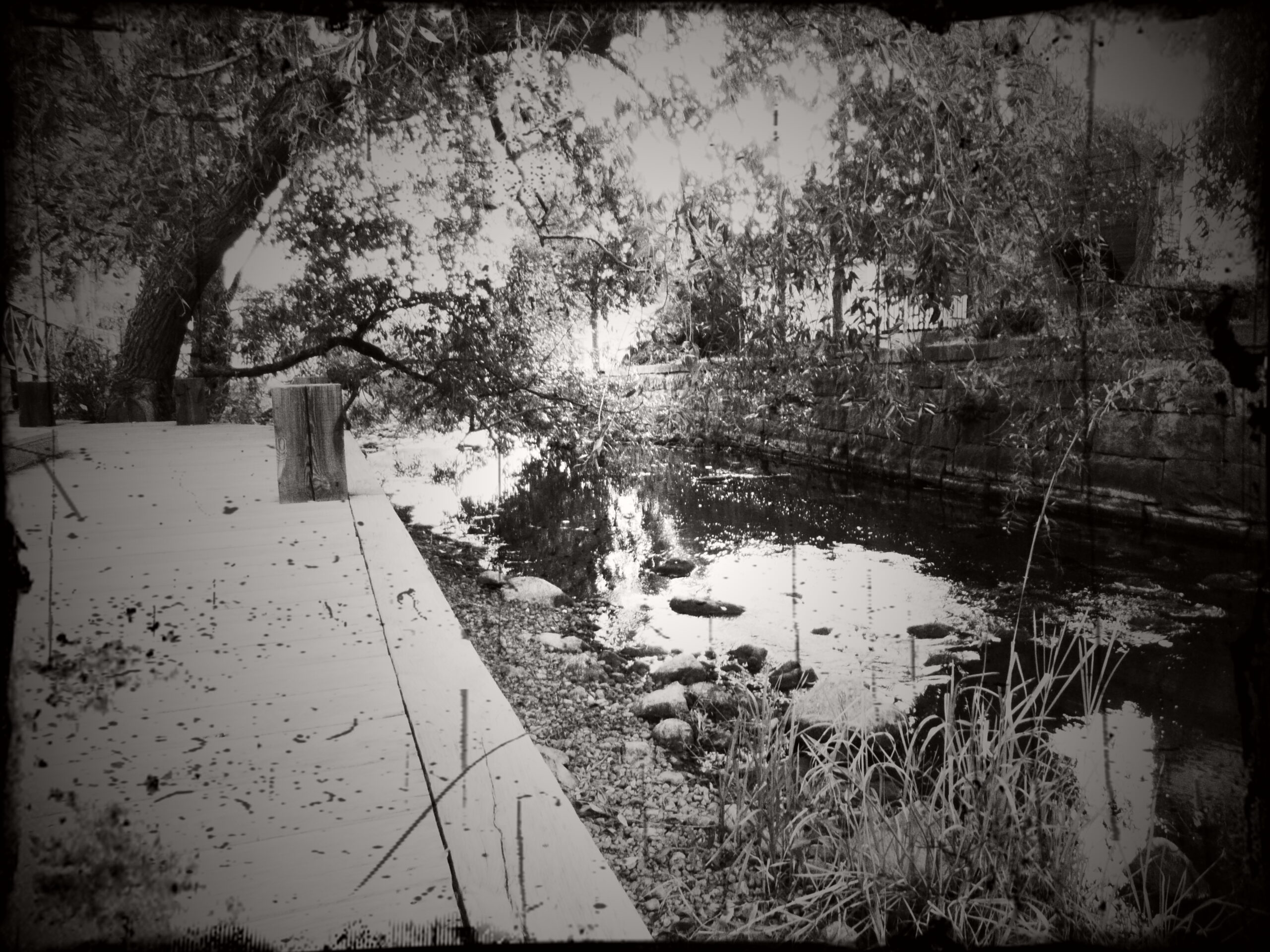 Stilla flyter ån fram…